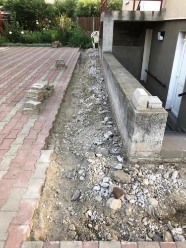 04 aanleg van een nieuwe aansluiting vloer-kelder vanwege lekkage
