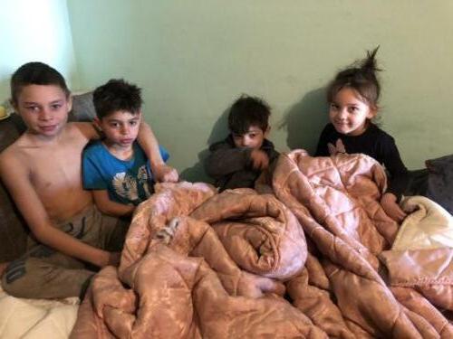 3b zeer arme familie die mede door onze stichting hulp krijgt.