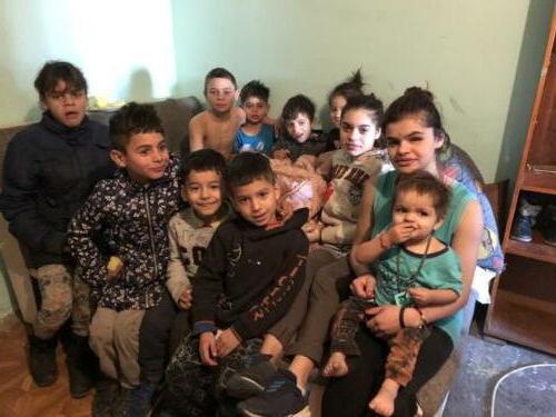 3c zeer arme familie die mede door onze stichting hulp krijgt.