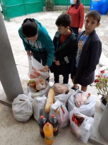 4e onze stichting sponsort ook de voedselbank in Roman